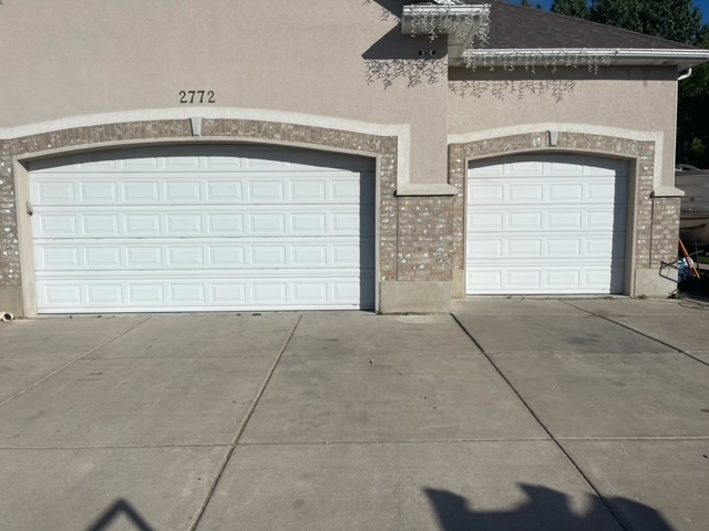 Old Style and color garage door
